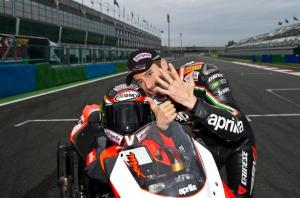 6 time World Champion Max Biaggi thinks the 2013 SBK title will be between Tom Sykes and Marco Melandri