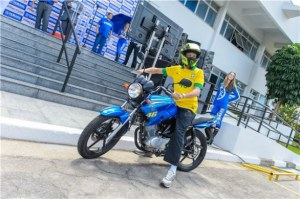 Rossi aboard the 125 he is in Brazil to launch.
