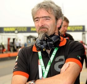 Dall'Igna has denied that Aprilia will be building engines with pneumatic valves for MotoGP CRT machines.
